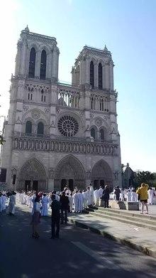 Fichier:Cloches Notre Dame de Paris.webm