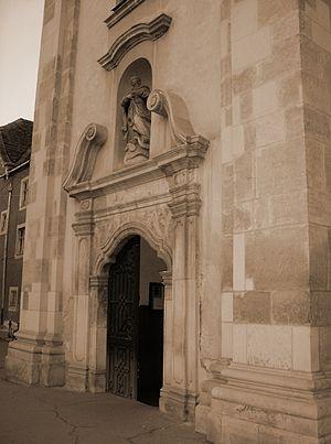 Cluj-Napoca Franciscan Church - Entrance to the church