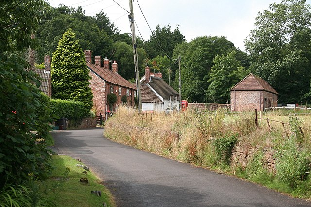 Combe Florey - near the Old Manor House - geograph.org.uk - 904793