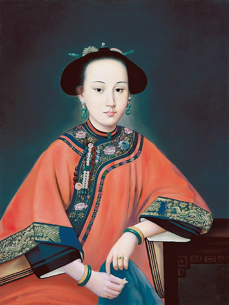 Consort Rong dressed in Manchu Clothes.JPG