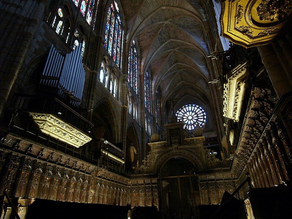 Coro y órgano de la catedral de León