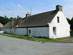 Cottages in Duncrievie - geograph.org.uk - 197814.jpg