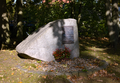 Cottbus-Kiekebusch, Alter Friedhof (Gedenkstein).png
