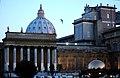 Cupola di S.Pietro da Giardino della Pigna - Vaticano - panoramio.jpg
