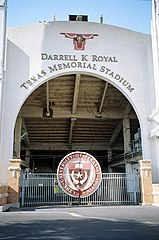 Façade du Darrell K Royal-Texas Memorial Stadium.