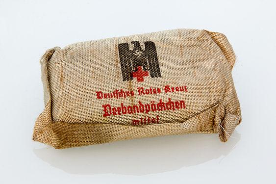 DRK Verbandspäckchen mittel.jpg
