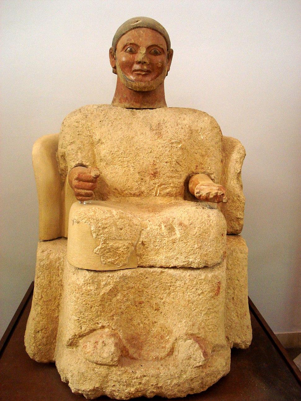 DSC00432 - Statua cineraria etrusca - da Chiusi - 550-530 aC