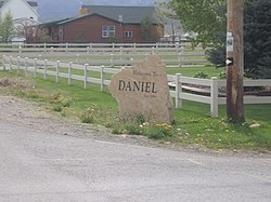 Daniel welcome sign, May 2010