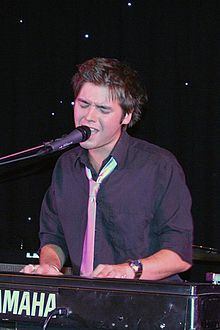 David Sneddon performing at Bedford, England.jpg