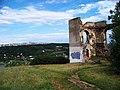 Dejvice, zřícenina Baba, výhled na Podhoří a sídliště Bohnice.jpg