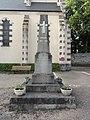 Douillet (Sarthe) monument aux morts.jpg