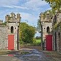 Duckett S Castle Gate (178007565).jpeg