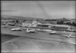 ETH-BIB-Flughafen-Zürich, Flughof, Tarmac, Flugzeuge-LBS H1-015093.tif