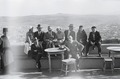 ETH-BIB-Gruppe auf Terrasse mit Blick auf Fès-Nordafrikaflug 1932-LBS MH02-13-0422.tif