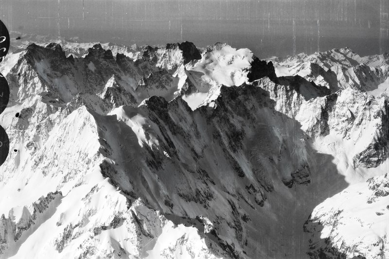 File:ETH-BIB-Les Ecrins - Mt. Pelvoux - Val Fourche von N. aus 4700 m Höhe-Mittelmeerflug 1928-LBS MH02-05-0120.tif
