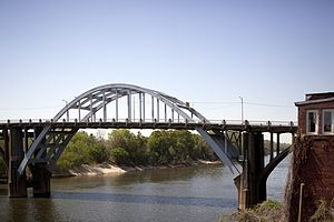 Edmund Pettus Bridge - The central span of the Edmund Pettus Bridge in April 2010