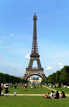 Eiffel Tower Paris 01.JPG
