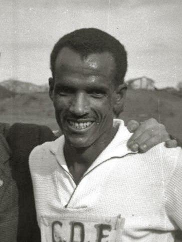 El etiope Mamo Wolde 'Gacela Negra' en el cross de Elgoibar - Fondo Marín-Kutxa Fototeka