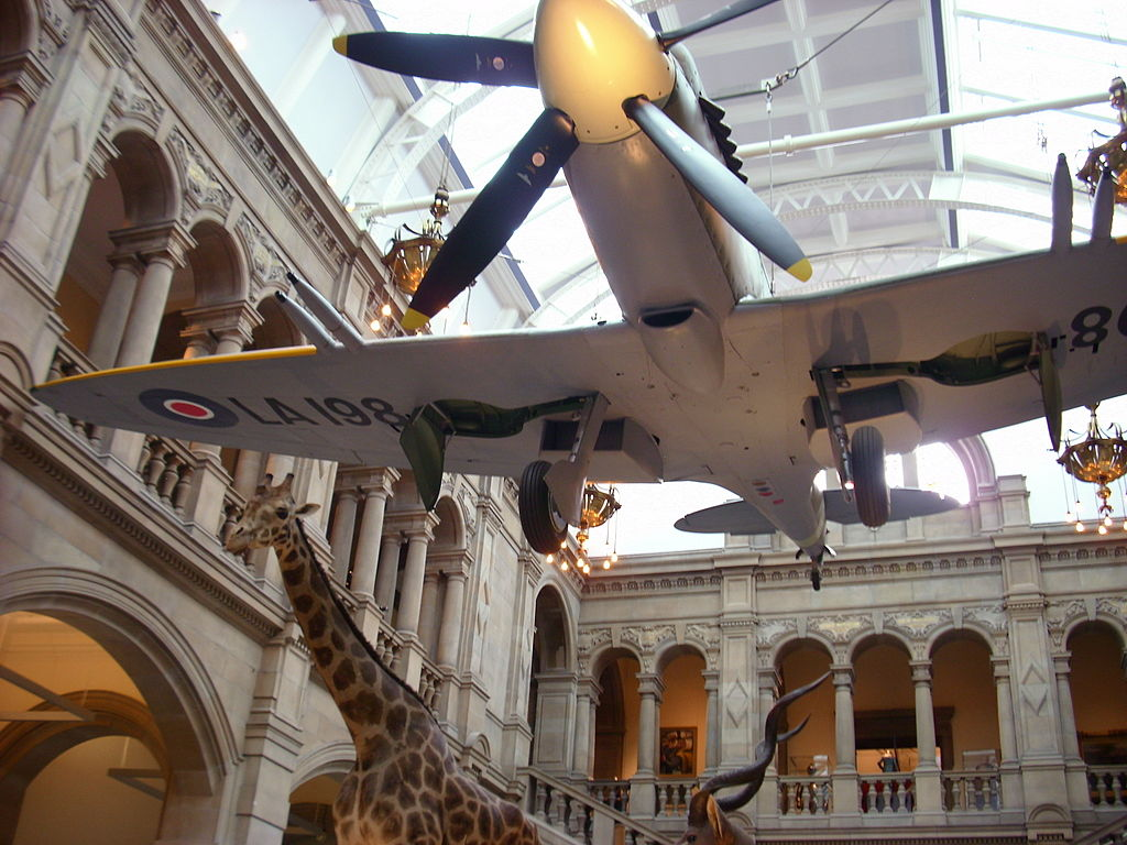 Spitfire LA198 Kelvingrove Art Gallery and Museum