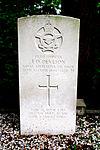 Erehof Hollandscheveld - 2013 - E.O. Deveson - 25 march 1944.JPG