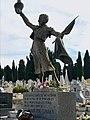 Estatua funeraria de Juanita Cruz en el cementerio de la Almudena.jpg