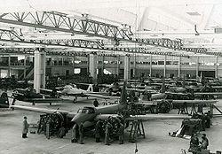 Importanes anuncios del Ministerio de Defensa de la República Argentina (Verano de 2009) 250px-F%C3%A1brica_Militar_de_Aviones_de_C%C3%B3rdoba_-_1940-1950