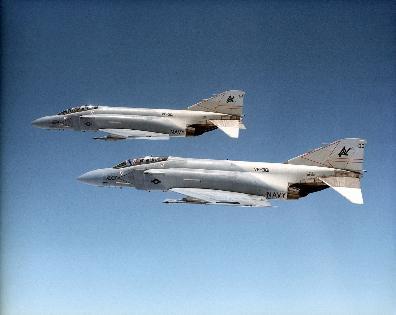 1280px-F-4_Phantom_II_VF-301.jpg