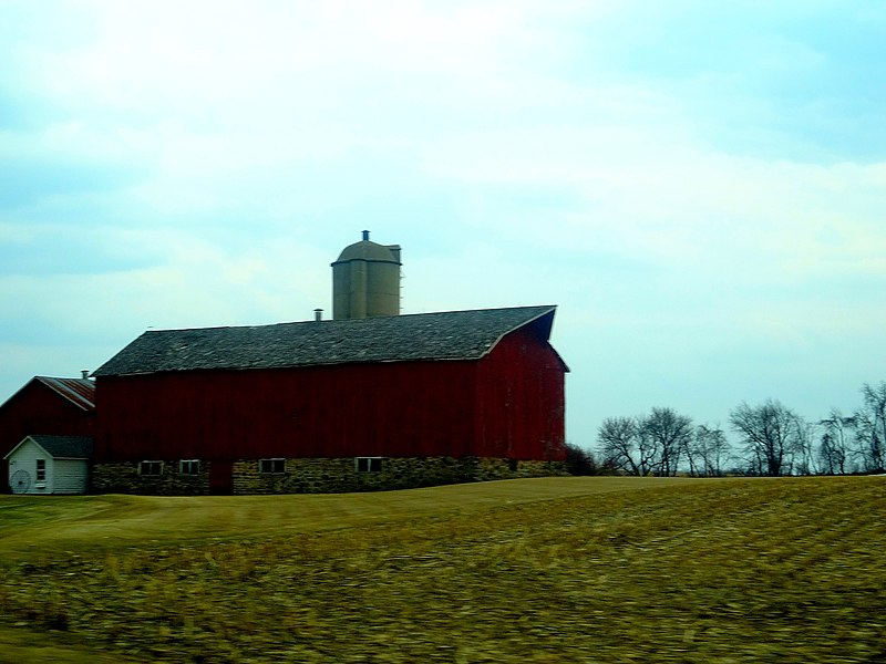 File:Farm near Stoughton - panoramio.jpg