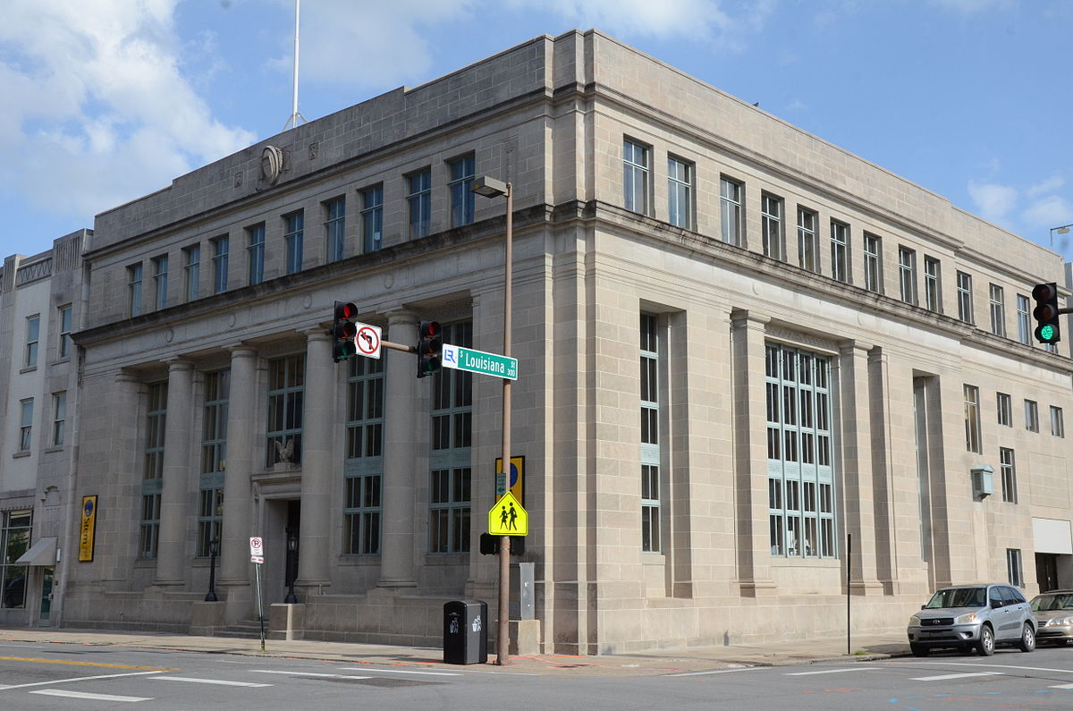 the duty of the federal reserve The structure and functions of the federal reserve system the federal reserve system is the central bank of the united states it was founded by congress in 1913 to provide the nation with a safer, more flexible, and more stable monetary and financial system.