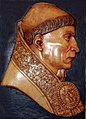 Felipe Bigarny (1502-1518) Cardenal Cisneros, relieve.jpg