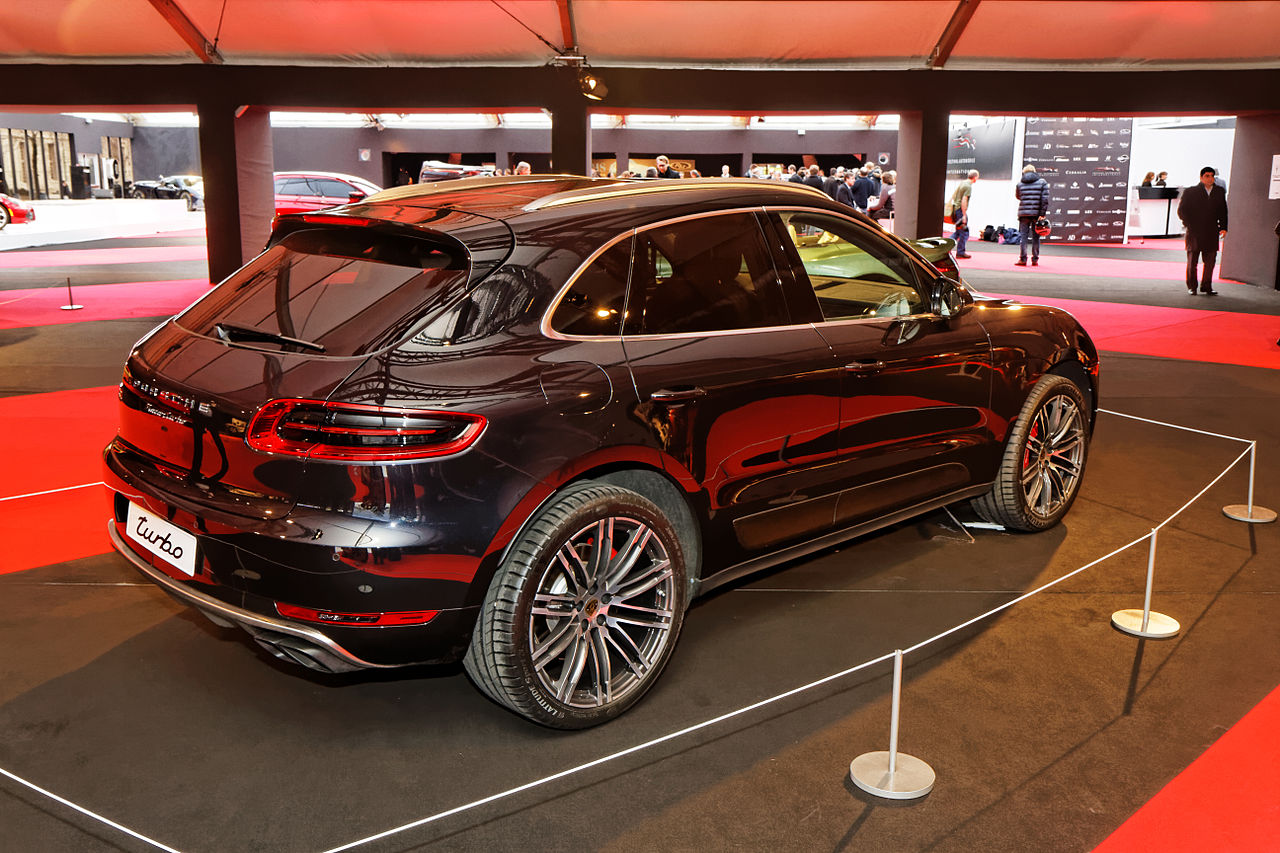 file festival automobile international 2014 porsche macan wikimedia commons. Black Bedroom Furniture Sets. Home Design Ideas