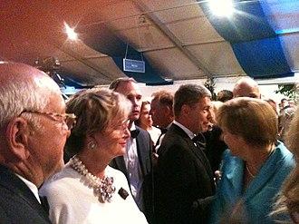 Gloria, Princess of Thurn and Taxis - Princess Gloria with German Chancellor Angela Merkel in 2015.