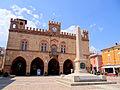 Fidenza-Town-Hall-Garibaldi-Obelisk-2012.JPG