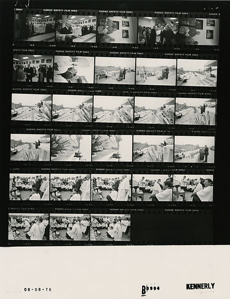File:Ford B0994 NLGRF photo contact sheet (1976-08-08)(Gerald Ford Library).jpg