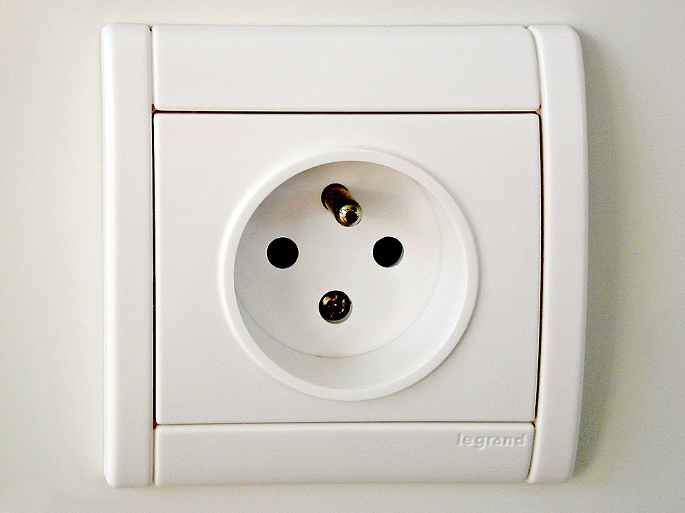 French-power-socket