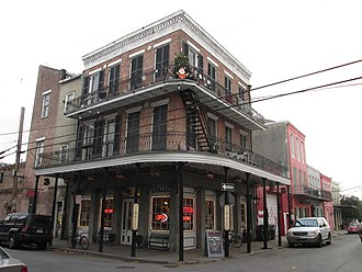 Frenchmen Street - Image: Frenchmen Decatur Down Lake Dec 2013