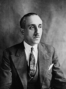 http://upload.wikimedia.org/wikipedia/commons/thumb/3/3b/Gabriel_P%C3%A9ri_1932.jpg/220px-Gabriel_P%C3%A9ri_1932.jpg
