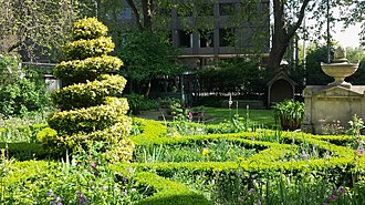 Garden Museum - The knot garden at the museum in 2015