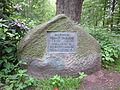Gedenkstein im Helmut-Thielicke-Wäldchen in Hamburg-Wellingsbüttel.jpg