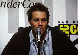 Geoff Stults - Image: Geoff Stults at Wonder Con 2010 3