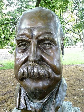 Prime Ministers Avenue - Image: George Reid bust