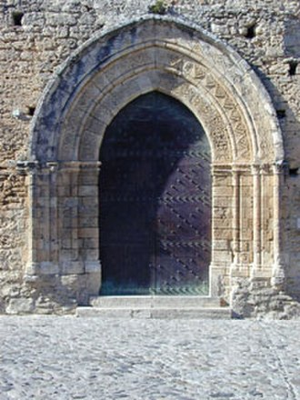 Gerace - Portal of the church of St. Francis.