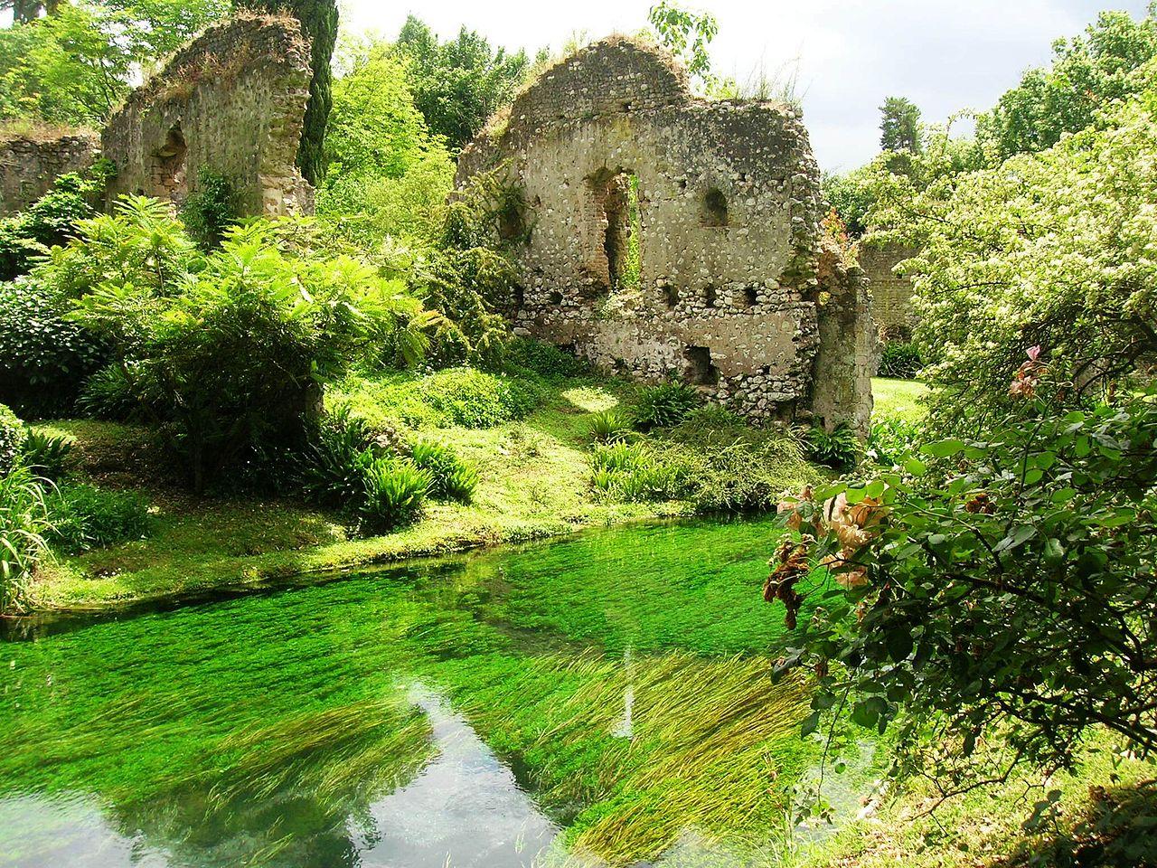 File giardino di ninfa wikimedia commons for Giardino officinale