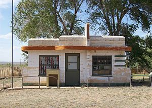 Glenrio, New Mexico and Texas - Closed café in Glenrio