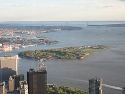 Governors Island from One World Observatory 2017.jpg