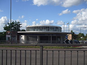 Hanger Lane tube station - Station building