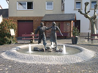 Forst an der Weinstraße - Image: Hansel Fingerhut Brunnen