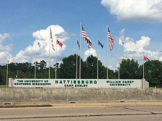 Hattiesburg, Mississippi - Image: Hattiesburg Flags