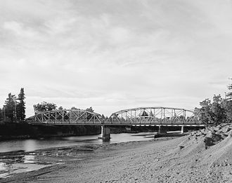 Healdsburg Memorial Bridge - Image: Healdsburg Bridge 193708pu