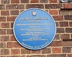 Henry preston blue plaque grantham (cropped)